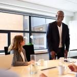 5 maneiras de se destacar na carreira sendo um excelente líder!